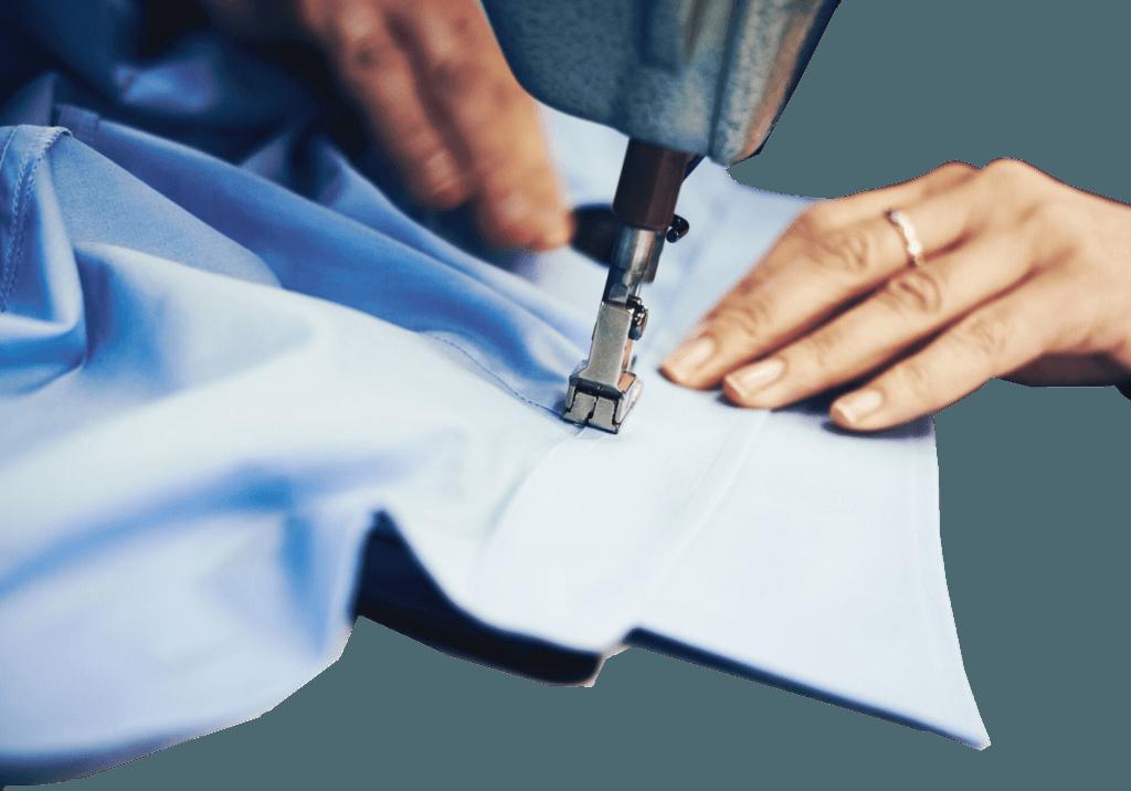 macchina da cucire con camicia